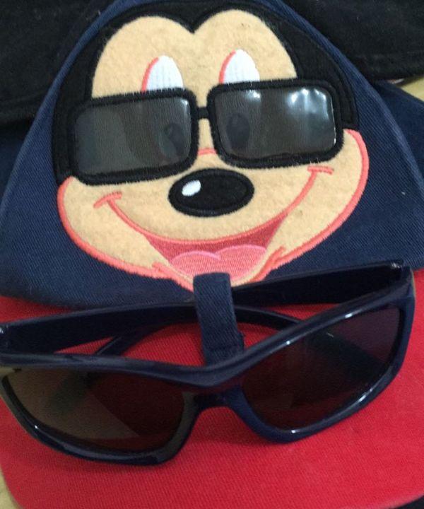 Bone Mickey Disney com Oculos de Sol   Item Infantil Disney Usado 27331188    enjoei d40cbf6099