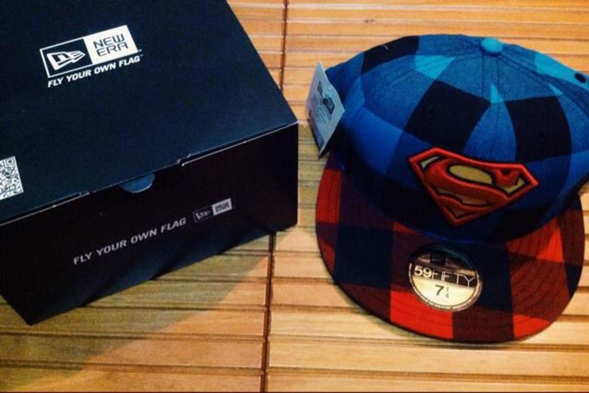 boné new era dc comics superman - bonés new era.  Czm6ly9wag90b3muzw5qb2vplmnvbs5ici9wcm9kdwn0cy81njq3mdavode3yty5nmrhy2yzotzimtc5ogviztjkytkwzji2zdeuanbn  ... 2ee402278af