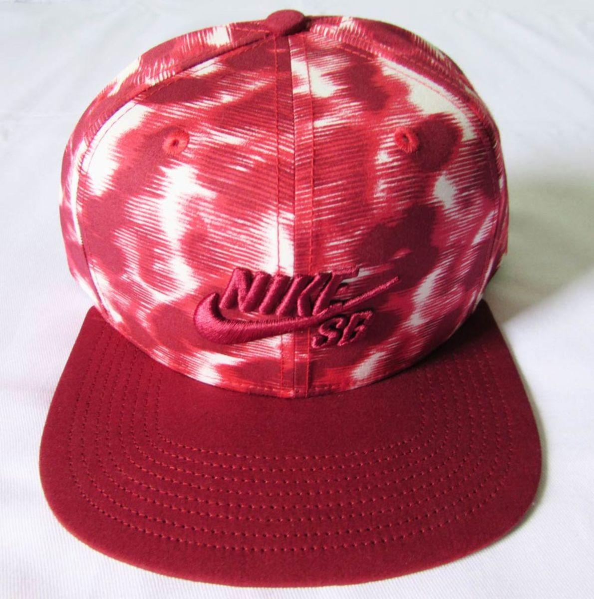 boné nike aba reta skateboard camo vermelho strapback - bonés nike 73fa88533f8