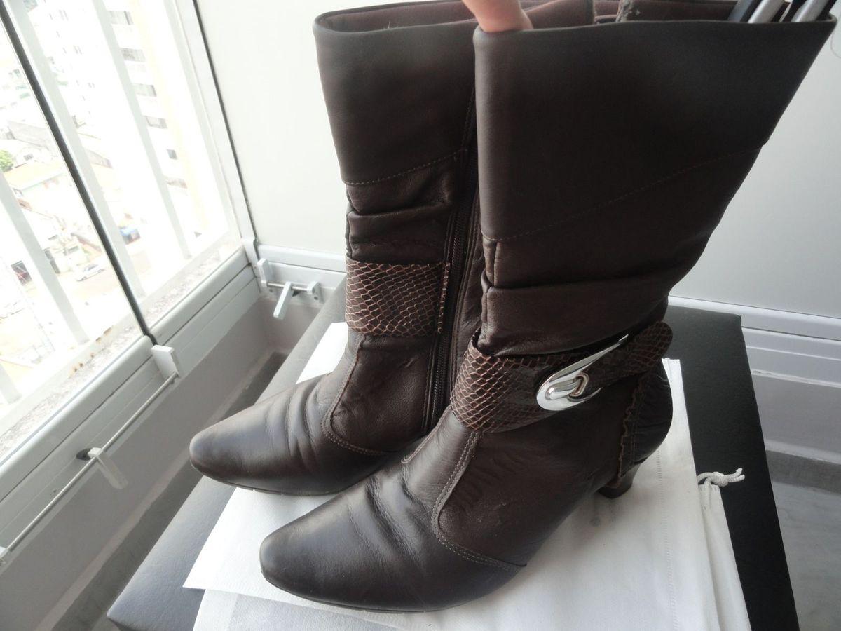 fd8703804 bota cafe marrom salto baixo cano medio confort flex - botas confort-flex