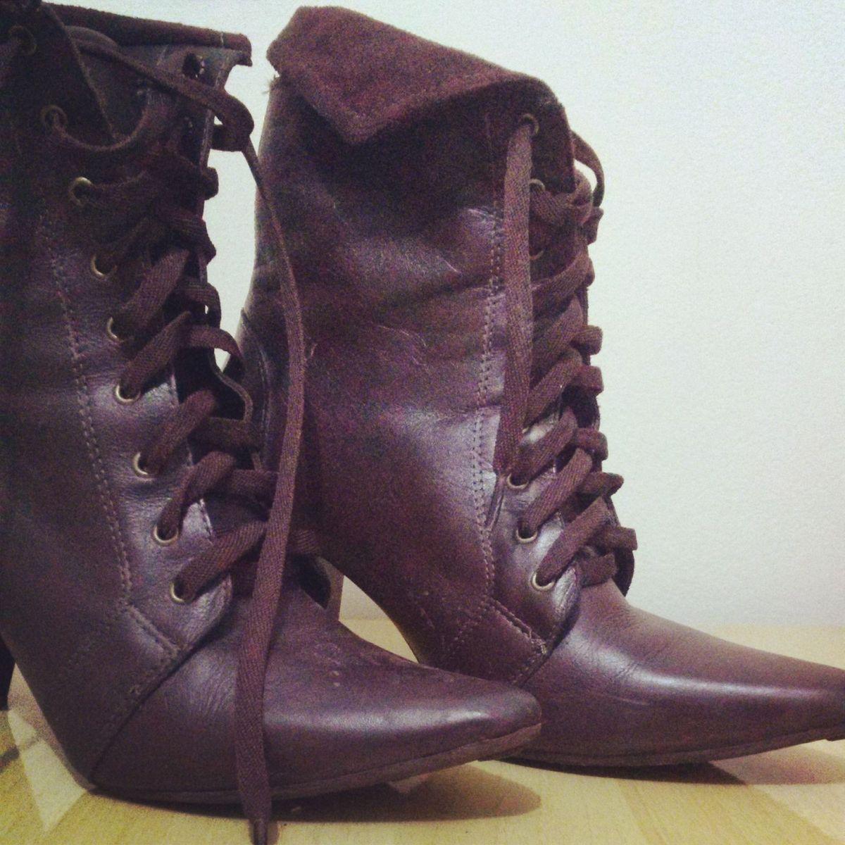 a4d92918d Bota Cano Curto   Bota Feminina Território Do Calçado De Jaú Usado 1215135    enjoei
