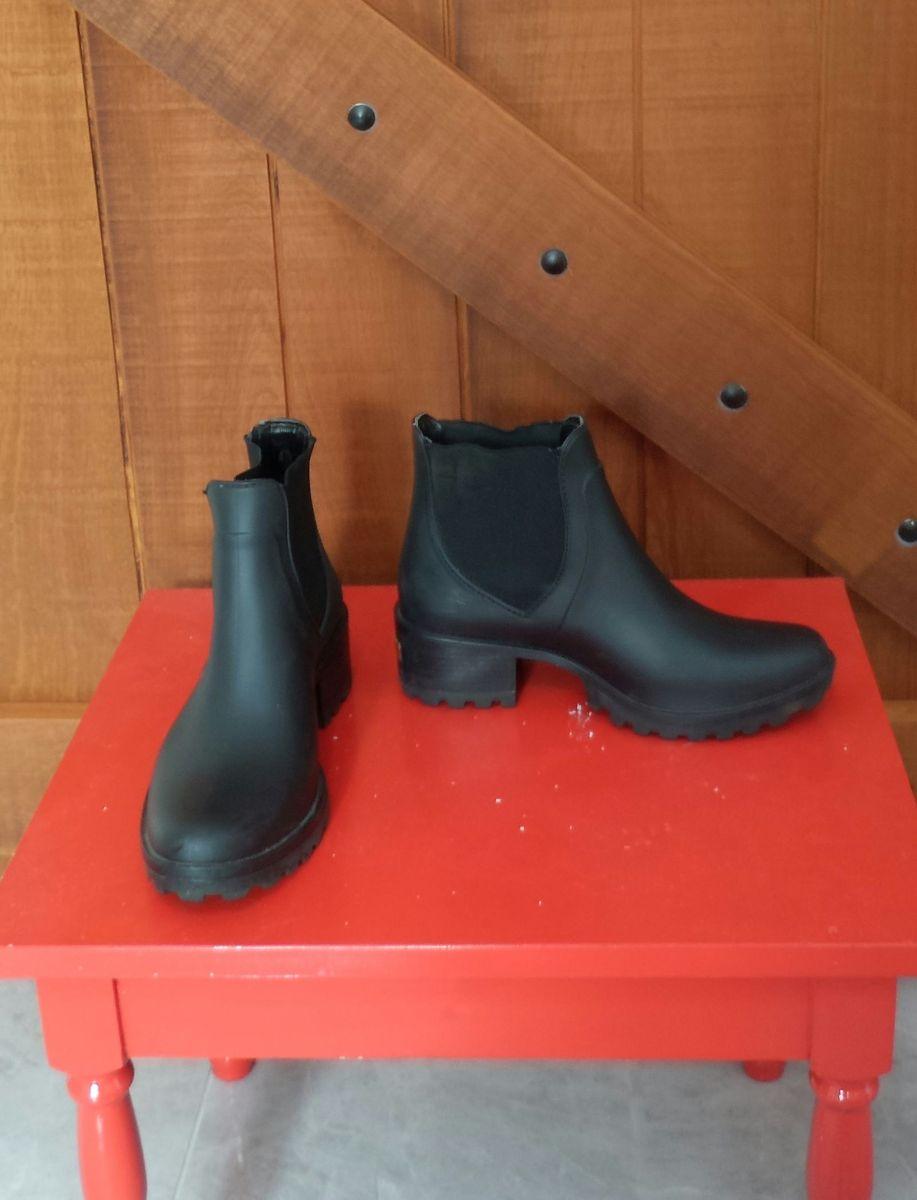 029d662068d bota galocha colcci - botas colcci.  Czm6ly9wag90b3muzw5qb2vplmnvbs5ici9wcm9kdwn0cy8zntc0mzevymrjnmfloda1ytcyngm5ngiynzkyotk1otk1ymq2yzquanbn  ...