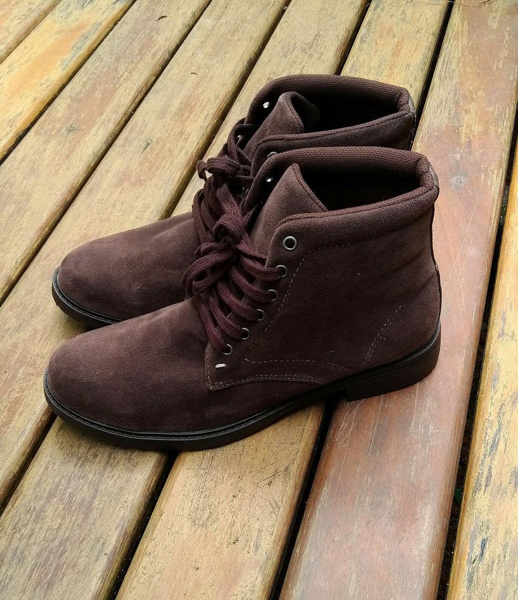 049afc722 bota masculina marrom camurça - botas sem-marca.  Czm6ly9wag90b3muzw5qb2vplmnvbs5ici9wcm9kdwn0cy85ndmyodmvztzknzawnzm3ogfmnziynjrmmzqwngy2ytlizwe5mjguanbn