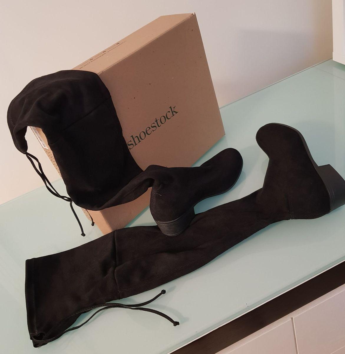 a76ad98f5 Bota Shoestock Over Knee Flat Preto- 36 | Bota Feminina Shoestock ...