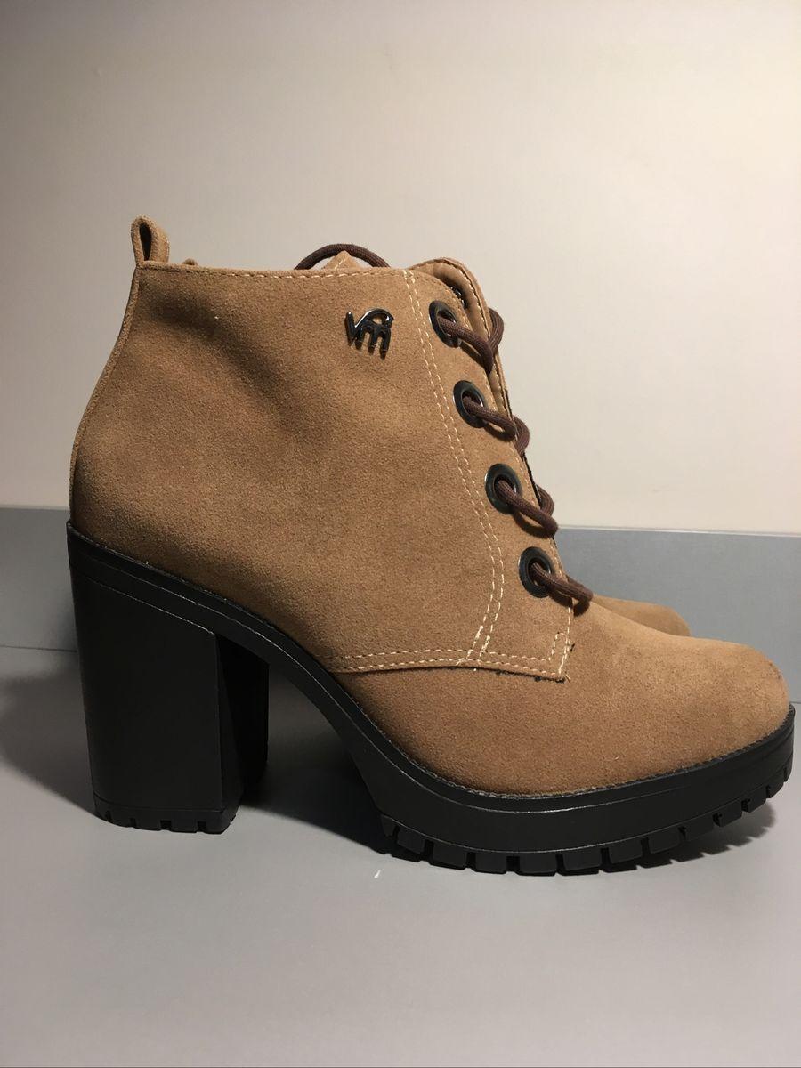 71573f6c7 botinha marrom - botas via marte.  Czm6ly9wag90b3muzw5qb2vplmnvbs5ici9wcm9kdwn0cy81njqzmtk3lzayzwe5zwy2n2yzmzvlywq4ymyyn2rhm2ziowu5zgnjlmpwzw