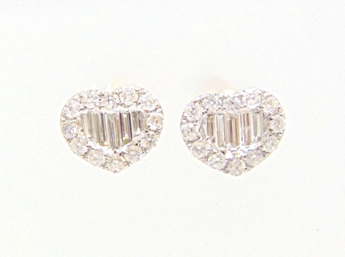 0b7859c5d7536 brinco coração cravejado de brilhantes em ouro branco 18k - jóias sem marca