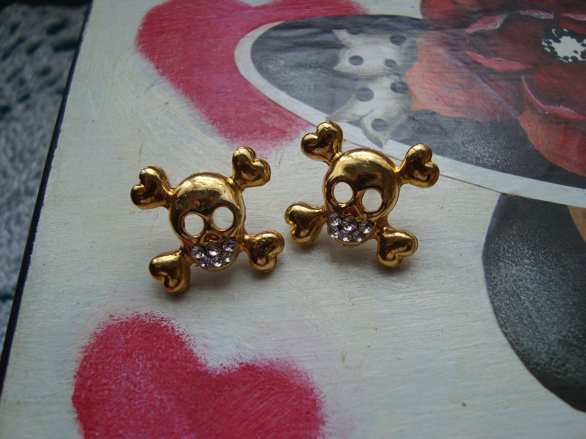 brincos caveiras - bijoux sem marca