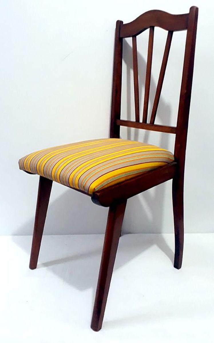 Image of: Cadeira Antiga De Madeira Restaurada Peca Unica Cadeira Usado 40864921 Enjoei