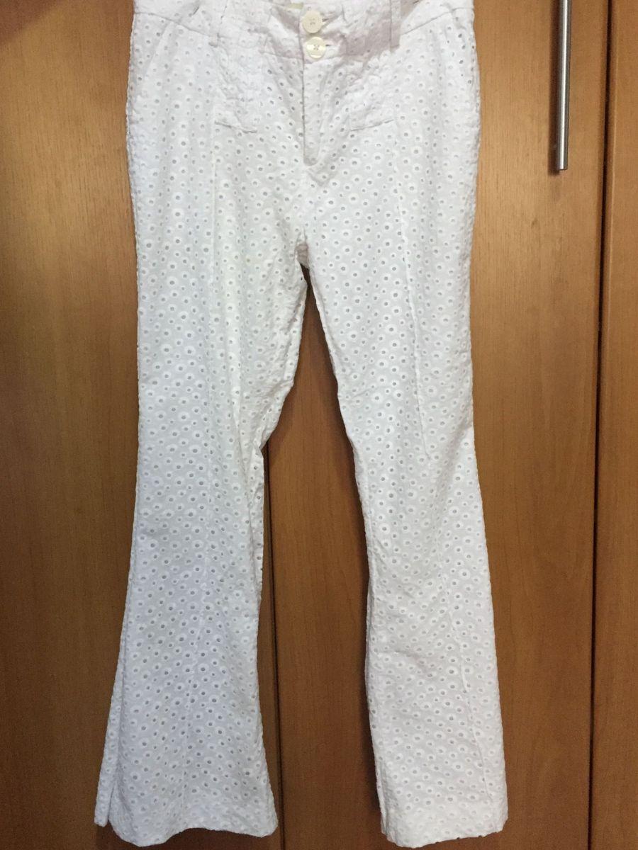 ef7c67596 calça branca pantalona - calças siberian.  Czm6ly9wag90b3muzw5qb2vplmnvbs5ici9wcm9kdwn0cy80nzeyodg5lzfimwu3ogmwyjuxy2zknjniyte1mtq1yzbmnzkznwnmlmpwzw