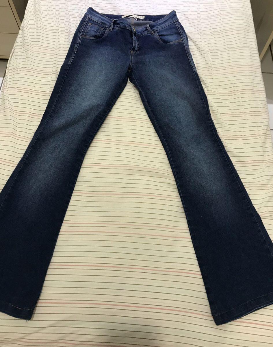 bd1e452ab9 calça flare jeans - calças morena rosa.  Czm6ly9wag90b3muzw5qb2vplmnvbs5ici9wcm9kdwn0cy84mzg1nji4l2rkodhmowixntjlnjrjowjinzmxmjm1nzkymjy5ngy1lmpwzw  ...