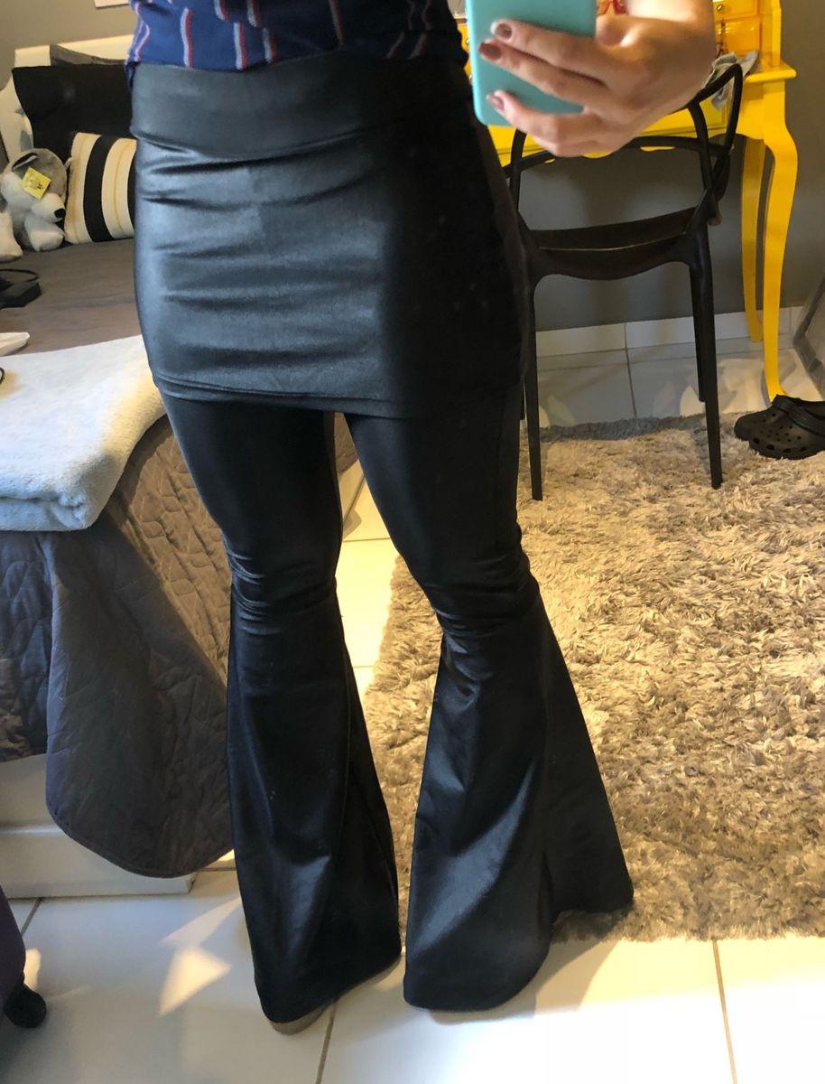 25b12bfe9 calça flare preta com saia - calças vânia modas.  Czm6ly9wag90b3muzw5qb2vplmnvbs5ici9wcm9kdwn0cy81nduyndyylzuyytu0zthhowzindmwnje5ztjlmmuzyjjinmrlzdc4lmpwzw
