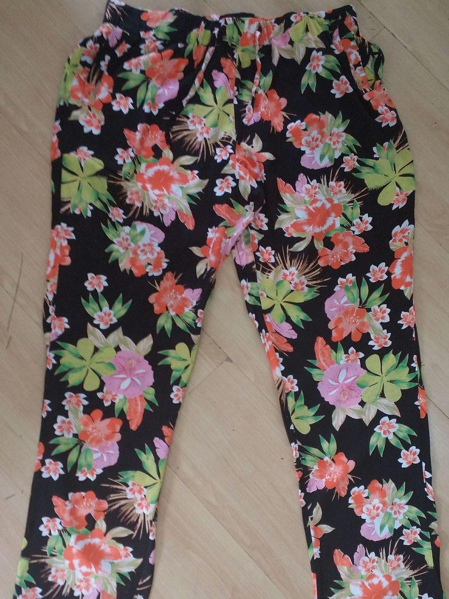 calça florida praiana - calças riachuelo.  Czm6ly9wag90b3muzw5qb2vplmnvbs5ici9wcm9kdwn0cy83mzcxntgvytg3n2ewzmrhogi4njvkmti3yjlhy2e0mdc3yjhkndkuanbn  ... 7e31a15904
