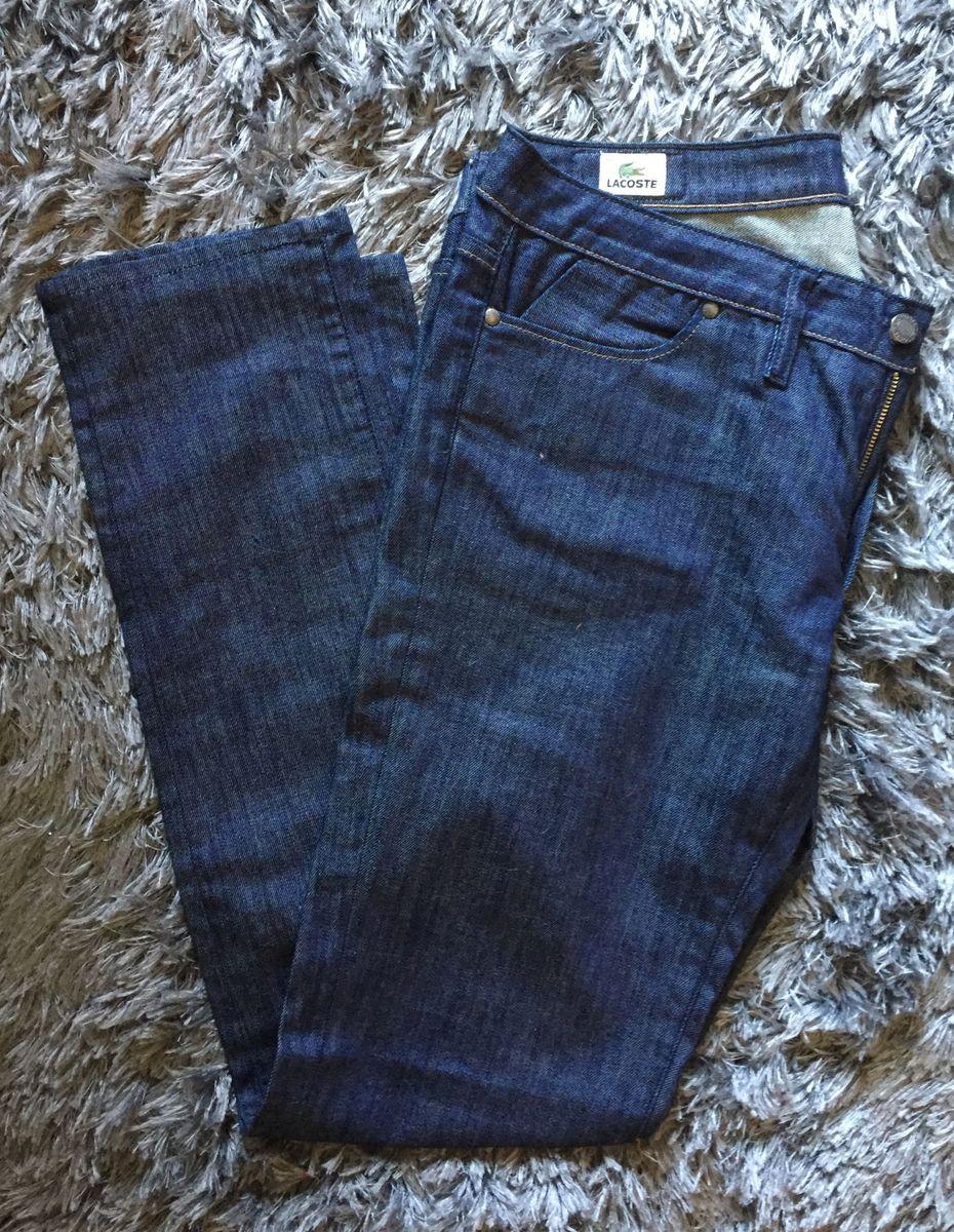 cd47ea004b430 calça jeans reta lacoste - calças lacoste.  Czm6ly9wag90b3muzw5qb2vplmnvbs5ici9wcm9kdwn0cy84ndiymzuvzdqxnthjyzq1odc0nzbhmgi2yzzmzjvhnddhyjq0zjcuanbn  ...
