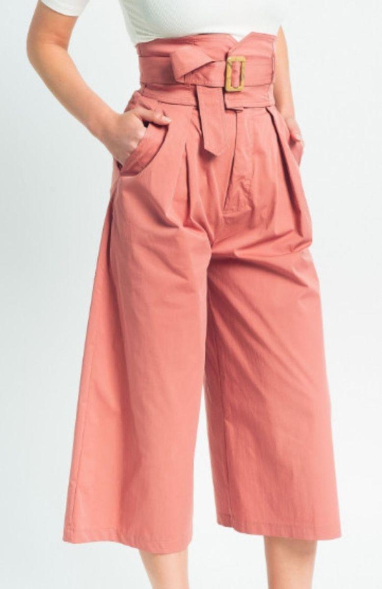 c96642759 calça pantacourt em sarja com cintura alta com faixa e fivela - calças tuart