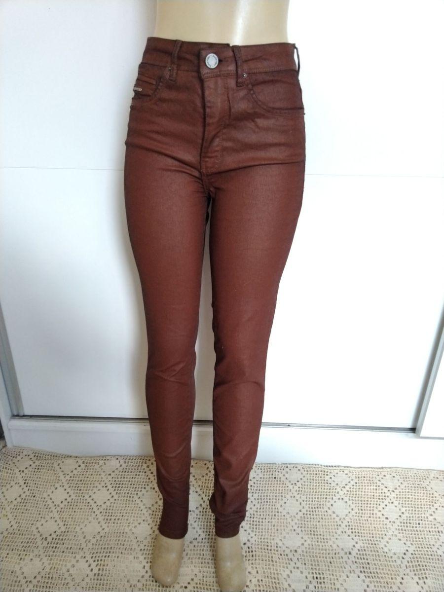 3a7e331827 calça resinada chapa barriga lunender - calças lunender