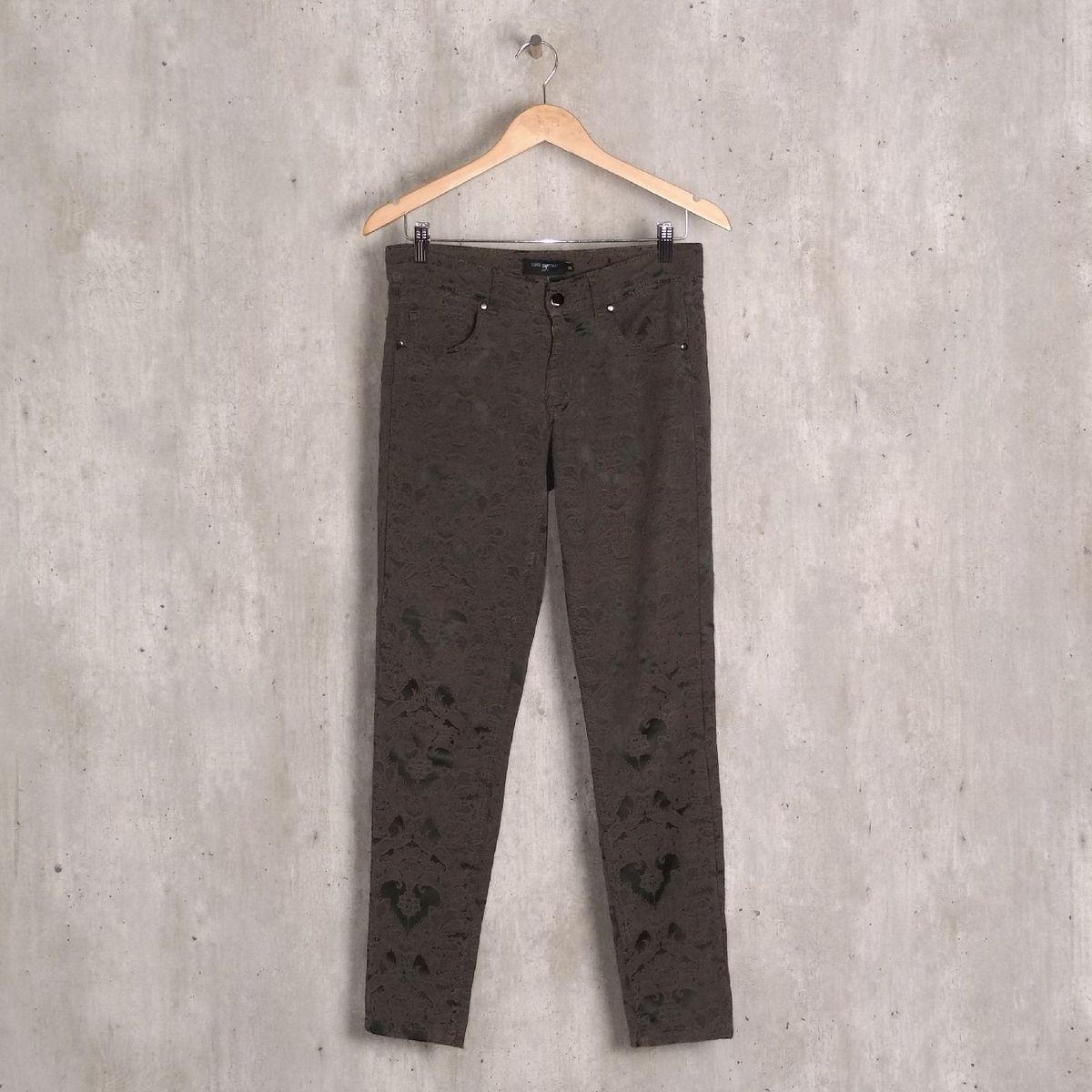 calça verde escura com arabesco - calças luigi bertolli