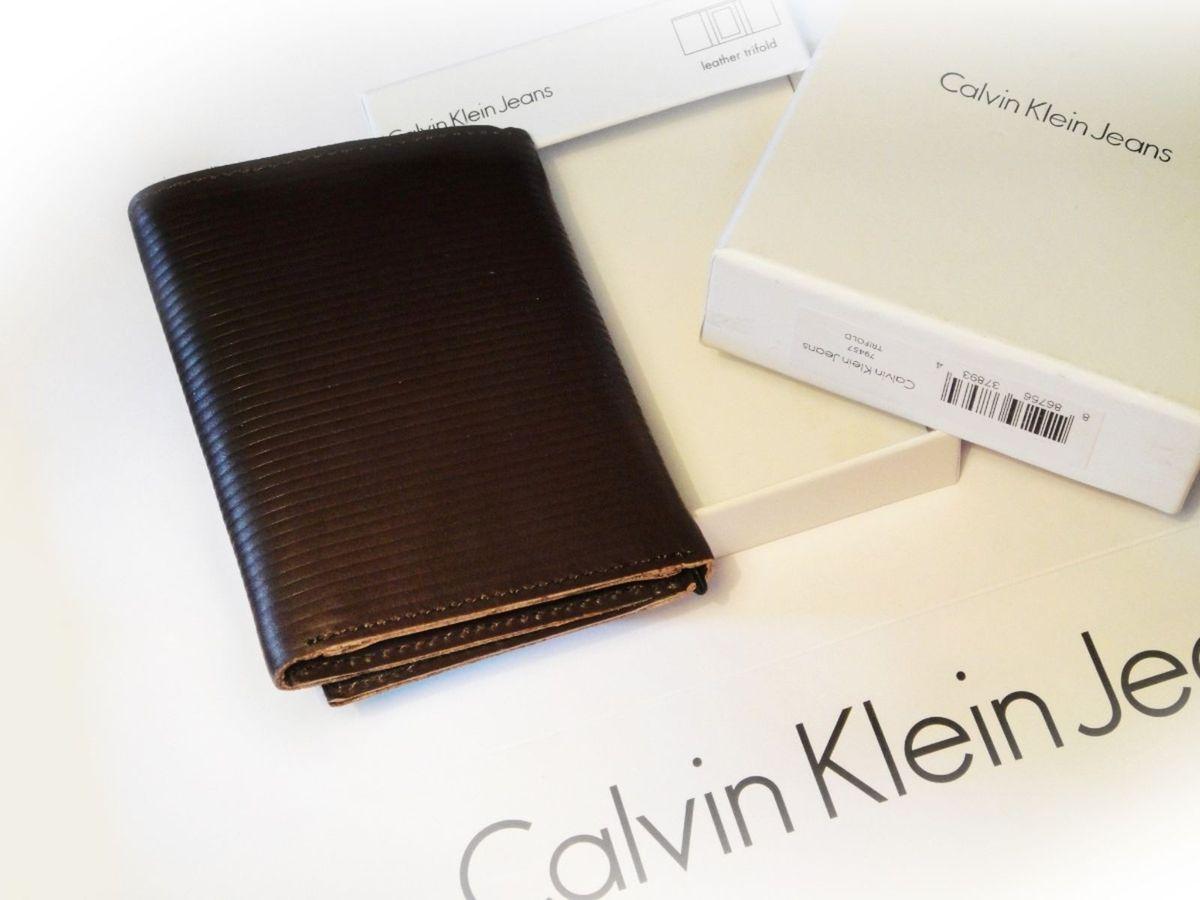 5d5f8104e2a37 Calvin Klein Carteira Masculina Trifold