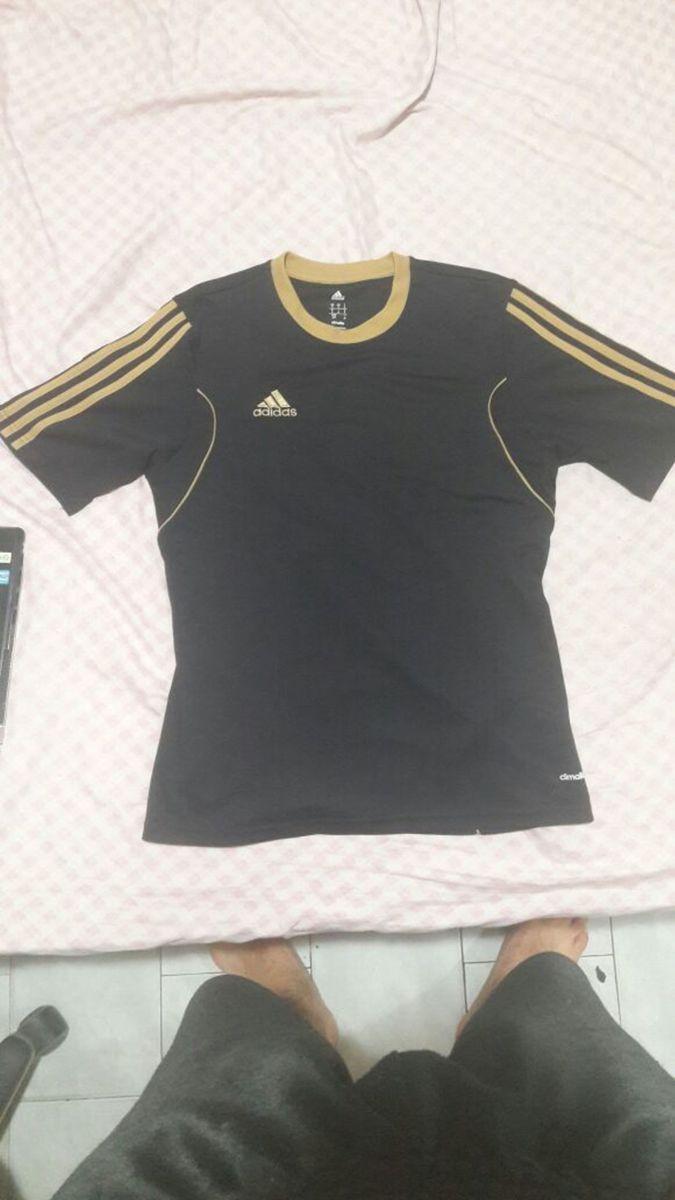 1a1d7a3c2b camisa adidas preta-dourada poliesportiva - esportes adidas