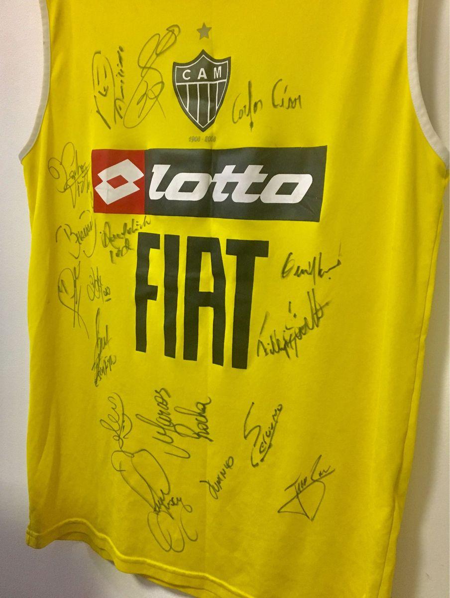camisa autografada atlético mineiro elenco libertadores 2013 - esportes sem  marca 02e60455bd918