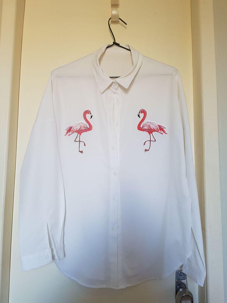 80c2b58ca9876 camisa branca com desenho de flamingos - camisas sem-marca
