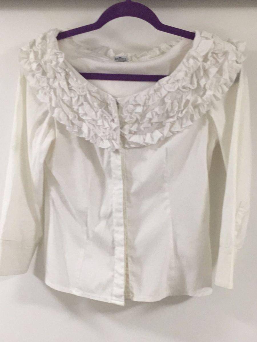 89e358fd5d camisa branca da folic gola canoa com detalhes - camisas folic