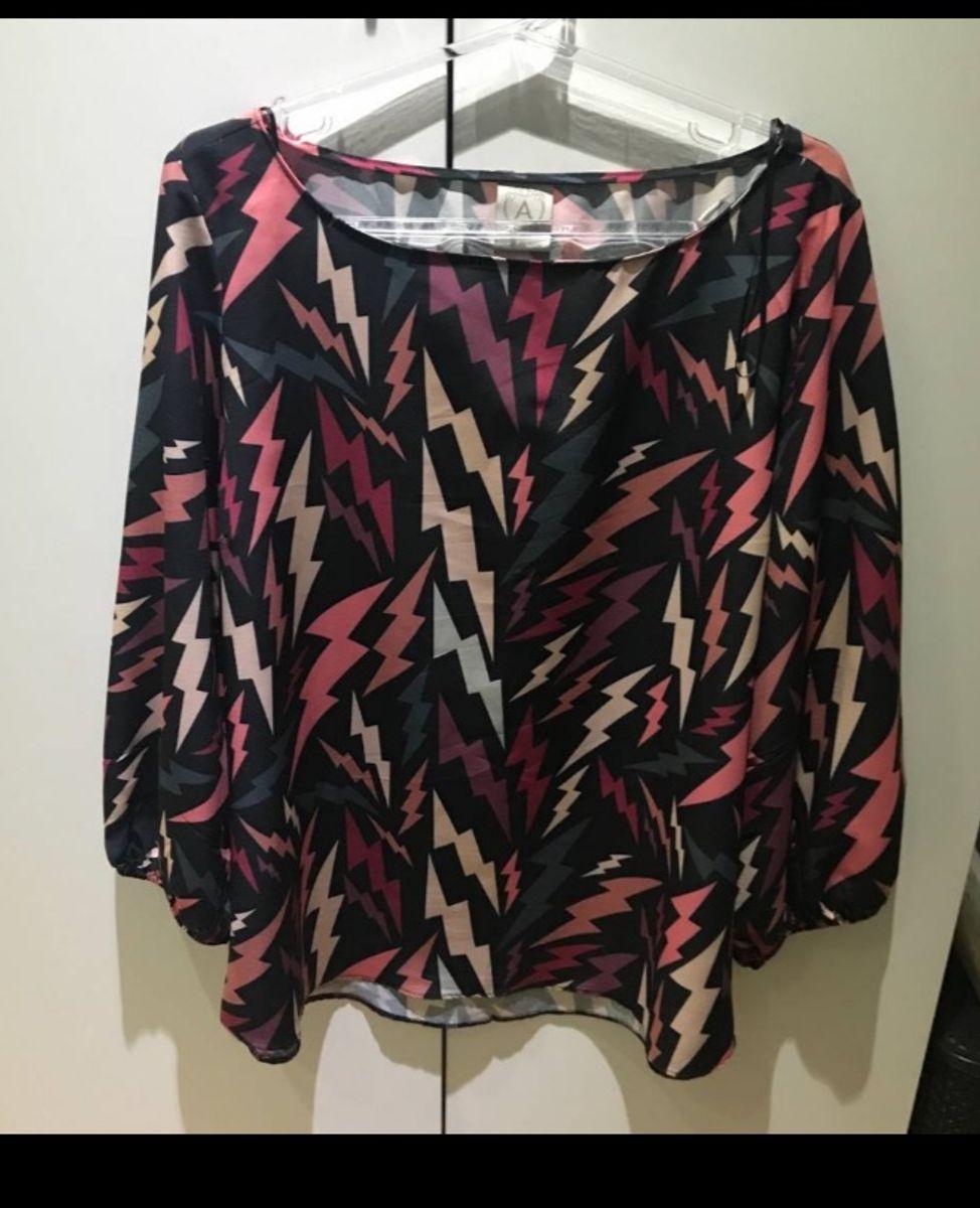 camisa em crepe de seda, estampada, renner, tam g, com elástico nas mangas, manga balonê - camisas renner