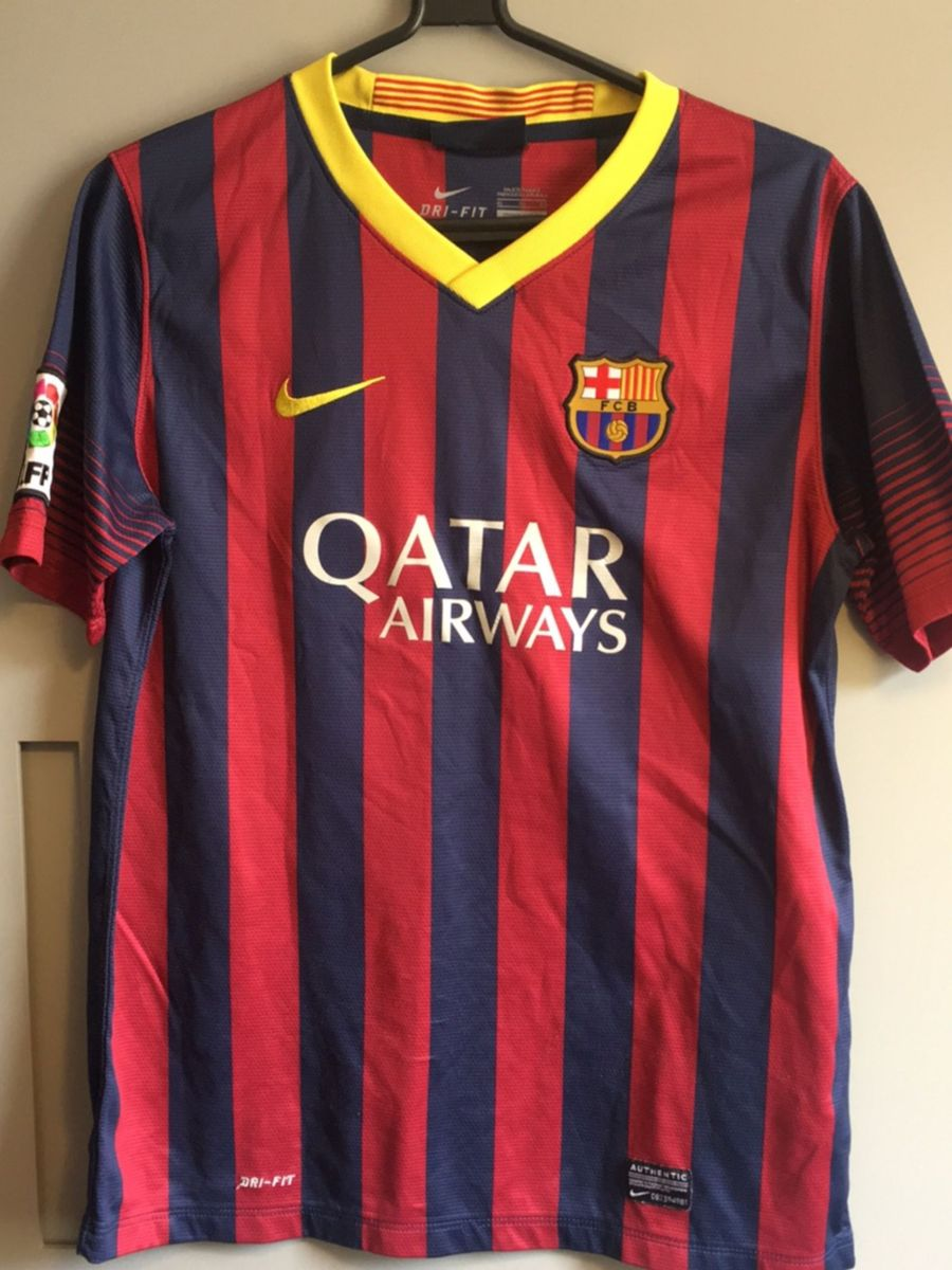 camisa futebol barcelona original - menino nike.  Czm6ly9wag90b3muzw5qb2vplmnvbs5ici9wcm9kdwn0cy80odk5mdayl2ywm2eynzq1yte2nzgzmwe3mzkxnjiwowjmyjiyntvjlmpwzw  ... 9a0e2095259