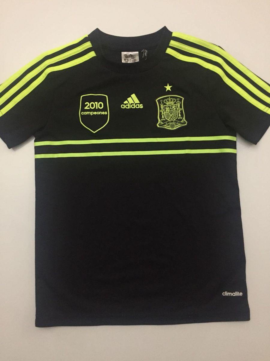 4c528a2e34e70 camisa futebol espanha 2014 - menino adidas.  Czm6ly9wag90b3muzw5qb2vplmnvbs5ici9wcm9kdwn0cy85ntizmdm2l2yymzi2yje2yzrhymzizjk3ndziotc5ogy5mjnjmmm1lmpwzw  ...