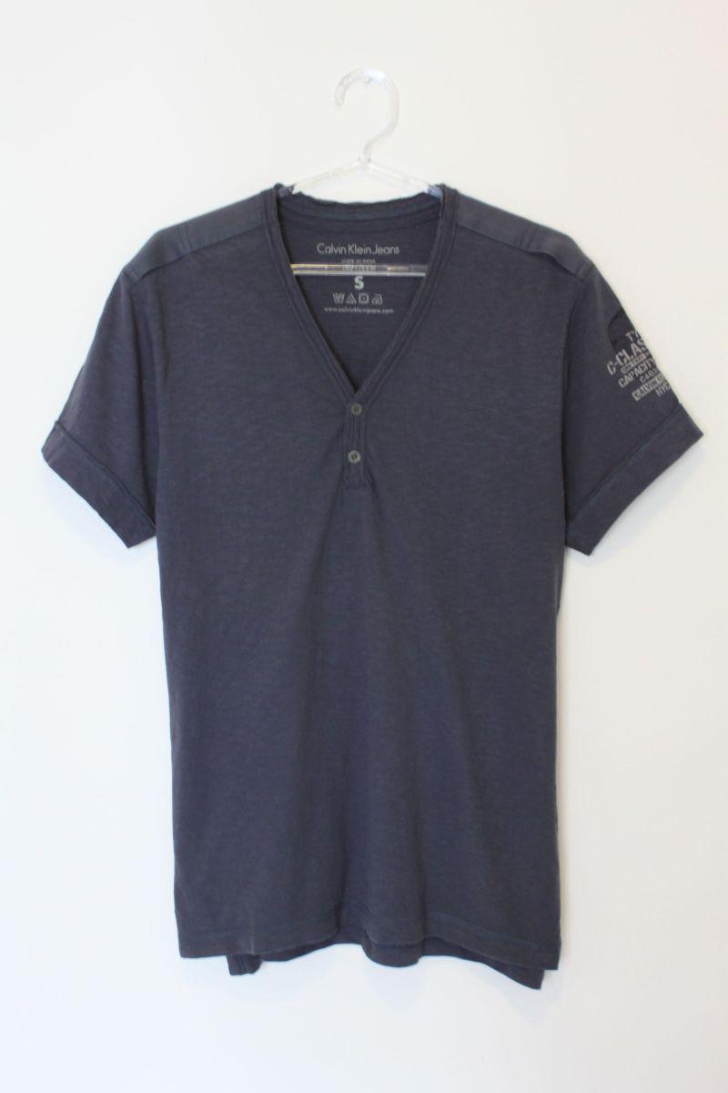 c5ef49b4d40c5 gola v - camisetas calvin-klein.  Czm6ly9wag90b3muzw5qb2vplmnvbs5ici9wcm9kdwn0cy8yntm2mdavmwyyzjewogi2mge4m2jlzdewothjmdnmmjezzddlzwuuanbn  ...