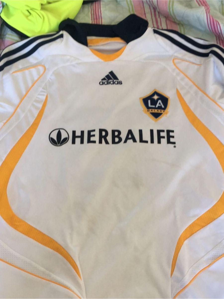camisa la galaxy - esportes adidas.  Czm6ly9wag90b3muzw5qb2vplmnvbs5ici9wcm9kdwn0cy83njywmjyylzawmwnhmziwyzjmndc2zjllymflzjy3mguxy2m0zjyzlmpwzw  ... b6ba05a464a43