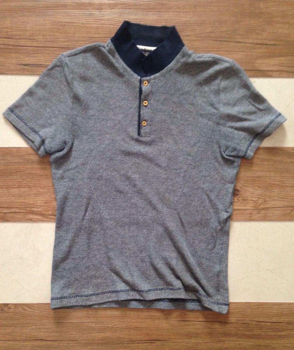 camisa polo manga curta - em piquet - azul marinho e branco - camisas topman a549cdf8926f0