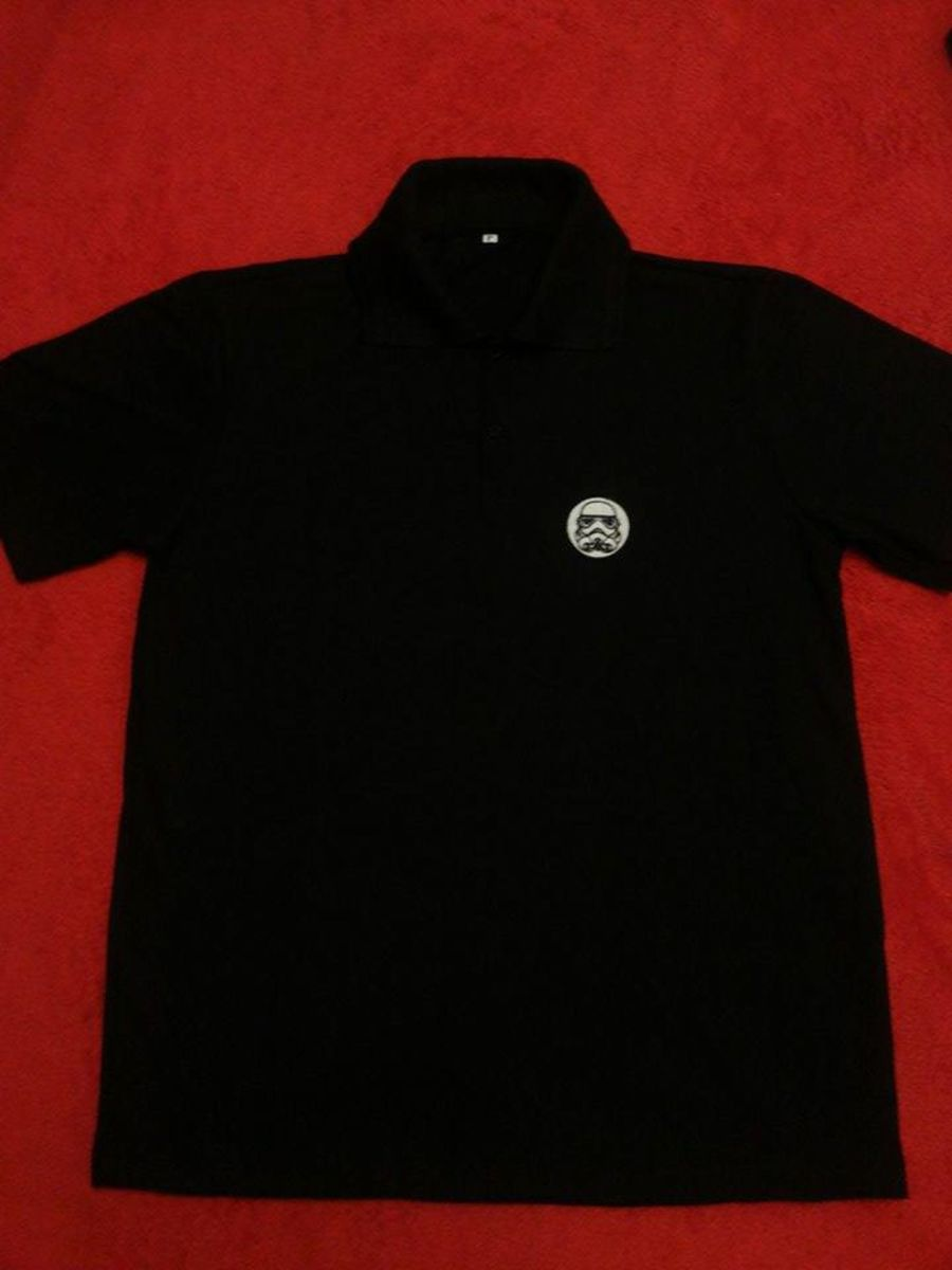 camisa polo star wars - camisas alma geek.  Czm6ly9wag90b3muzw5qb2vplmnvbs5ici9wcm9kdwn0cy81mdu1ndkylzblzmu2mwrkzjdizgvhn2rjnwvkngrkmjjmm2uwownjlmpwzw  ... 1daca62495486