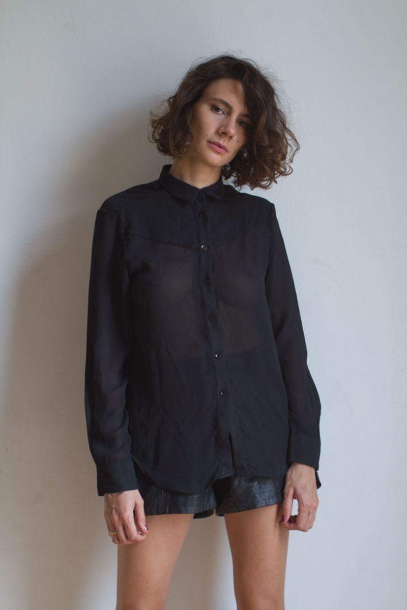 bad95081f camisa preta transparente - camisas sem marca.  Czm6ly9wag90b3muzw5qb2vplmnvbs5ici9wcm9kdwn0cy8xotqzmjgvmmm3zdfiztuzmzblnmy1nzq3nwzkoduxnja2n2i5ywiuanbn  ...