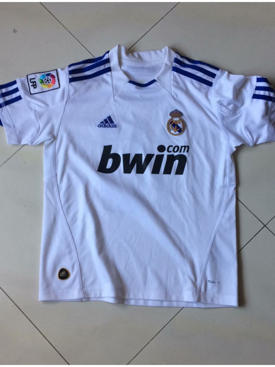 camisa real madrid oficial - esportes adidas.  Czm6ly9wag90b3muzw5qb2vplmnvbs5ici9wcm9kdwn0cy84mdy3ntkzlzq1mdq5zteymtrjzgiwotfim2jhnwi2ogi2nwuxnmjjlmpwzw  ... 4df7434d6ecc2