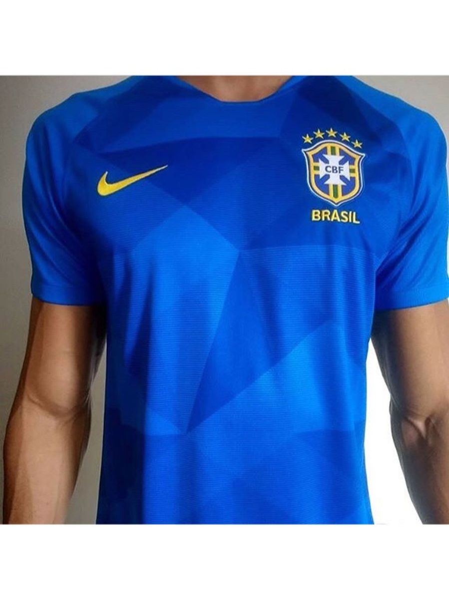 camisa seleção brasileira azul - camisas nike.  Czm6ly9wag90b3muzw5qb2vplmnvbs5ici9wcm9kdwn0cy81njg4mjq0lzu5ythlyznlnguzmtqyntm2nte3mjfhzgm3zdfjyzi3lmpwzw  ... 5e1c0bd65a430