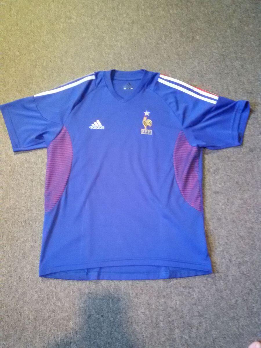 1e335eb461 camisa seleção frança 2002 - esportes adidas.  Czm6ly9wag90b3muzw5qb2vplmnvbs5ici9wcm9kdwn0cy84mdczodqxlzq0m2e5mjyzowjiytjhmtiwywmxmzvkythknwe0ytm4lmpwzw