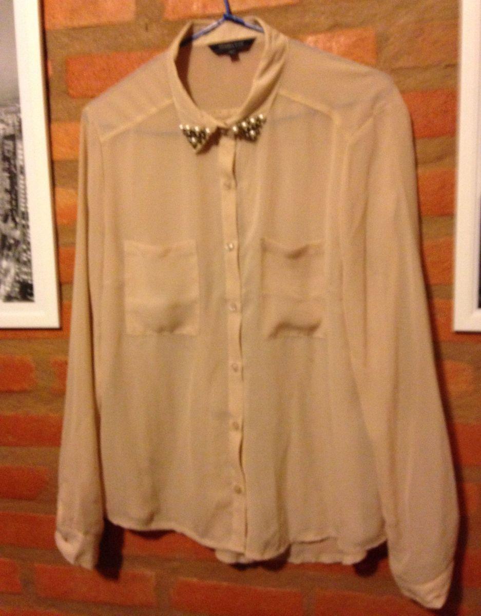 38018d4742 camisa social bege com pérolas - blusas yessica city