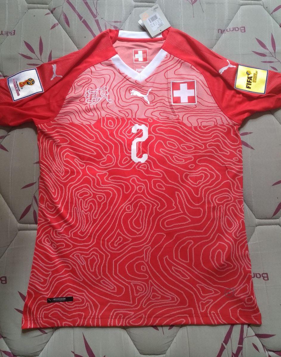 593981cc4f camisa suíça - esportes puma.  Czm6ly9wag90b3muzw5qb2vplmnvbs5ici9wcm9kdwn0cy82odc3oda0lze2yjizmwnlzwm1yzywzgewn2uzzdbimji2njg3ymqxlmpwzw  ...