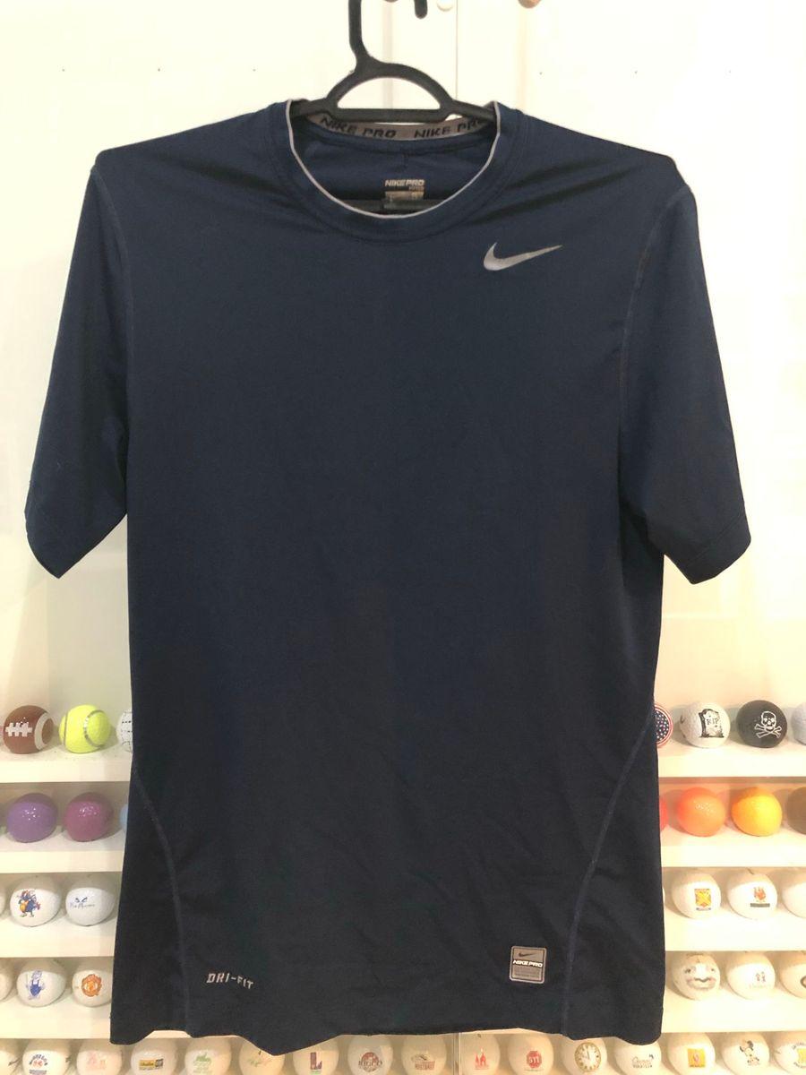 38973f0e36 camisa termica nike pro - esportes nike.  Czm6ly9wag90b3muzw5qb2vplmnvbs5ici9wcm9kdwn0cy82otk2njq3l2fhndi2nwzizji5yzc1odc5zgm5zjjlnwqxmjkxmwe5lmpwzw  ...