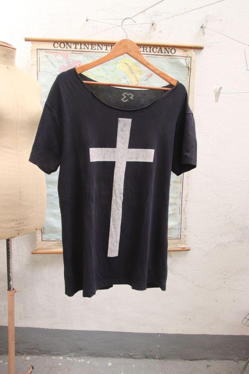 camisa trendt m cruz metal hardrock - camisetas trendt