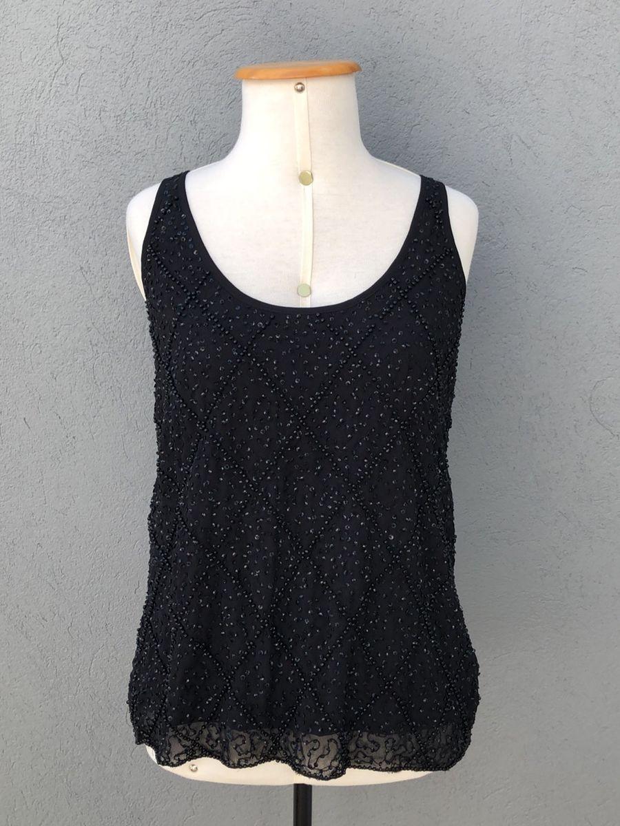 camiseta bordada black - blusas anna-flynn