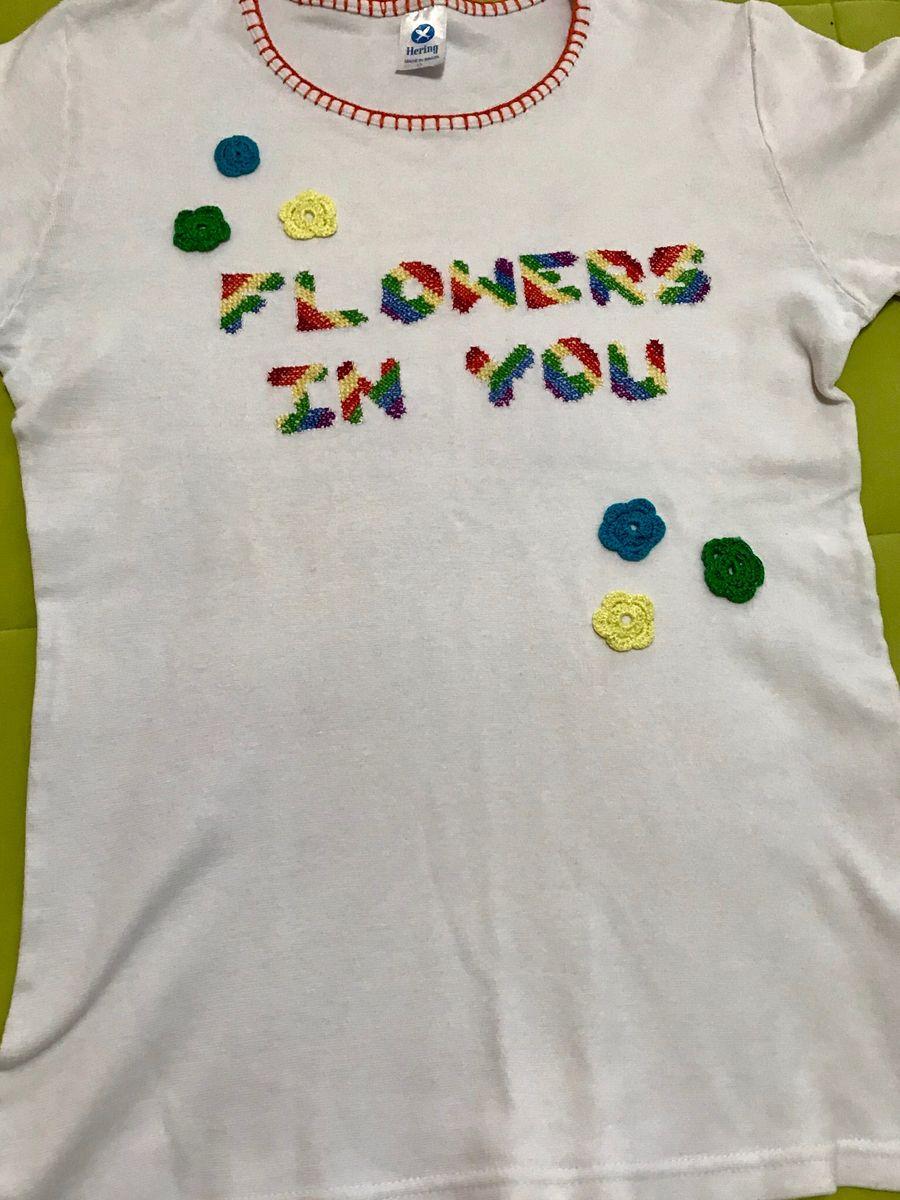 1401fab2b59 Camiseta Branca Customizada | Camiseta Feminina Usado 33660819 | enjoei