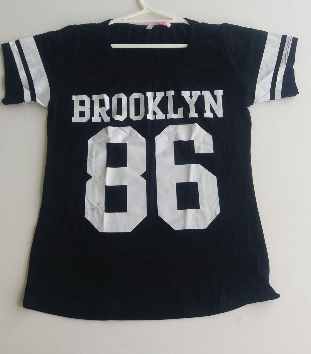 f68ad61ea camiseta brookyn 86 - camisetas little white tee.  Czm6ly9wag90b3muzw5qb2vplmnvbs5ici9wcm9kdwn0cy82ndg5odkxl2fkzgy3zdflytq1njk1njc0ywi3mzm2mzq0njiynzlhlmpwzw  ...