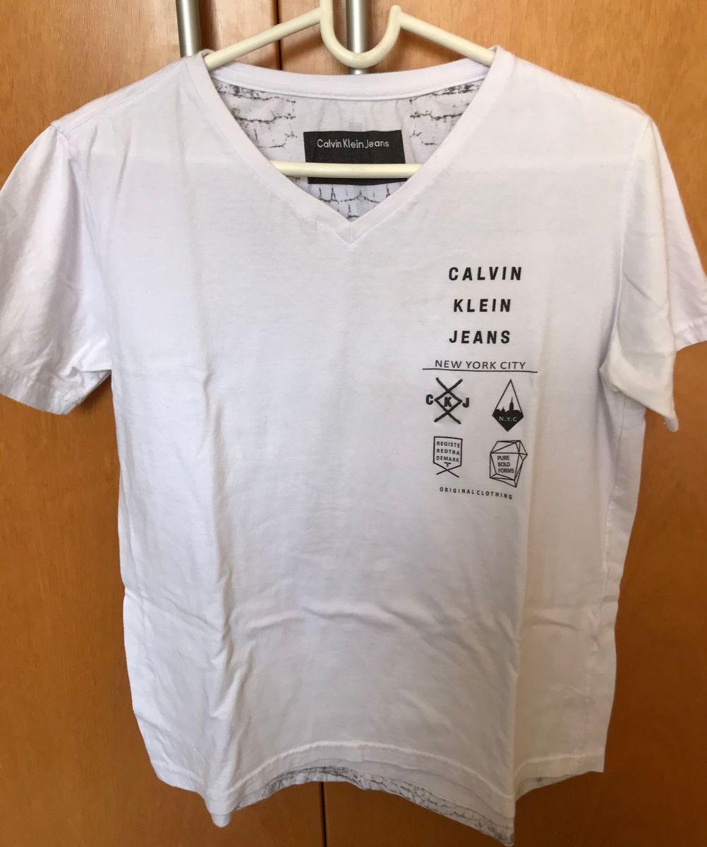 Camiseta Calvin Klein - Gola V   Camiseta Masculina Calvin Klein Usado  24542961   enjoei cfb84a939a