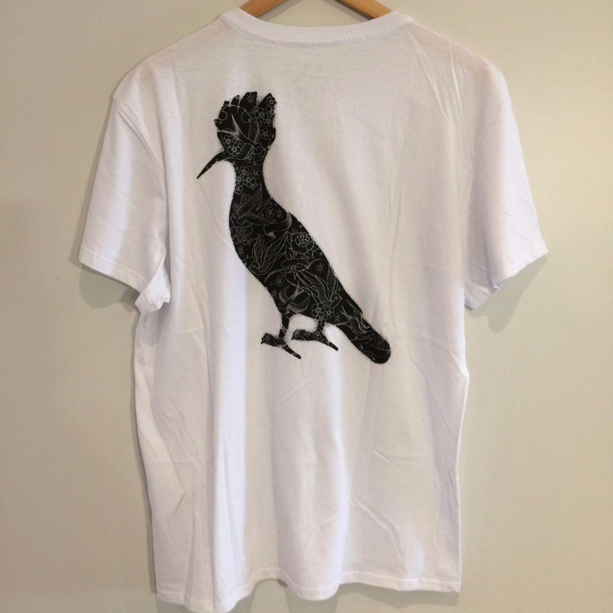 30e803783c camiseta em algodão tattoo - pica pau - g - camisetas reserva
