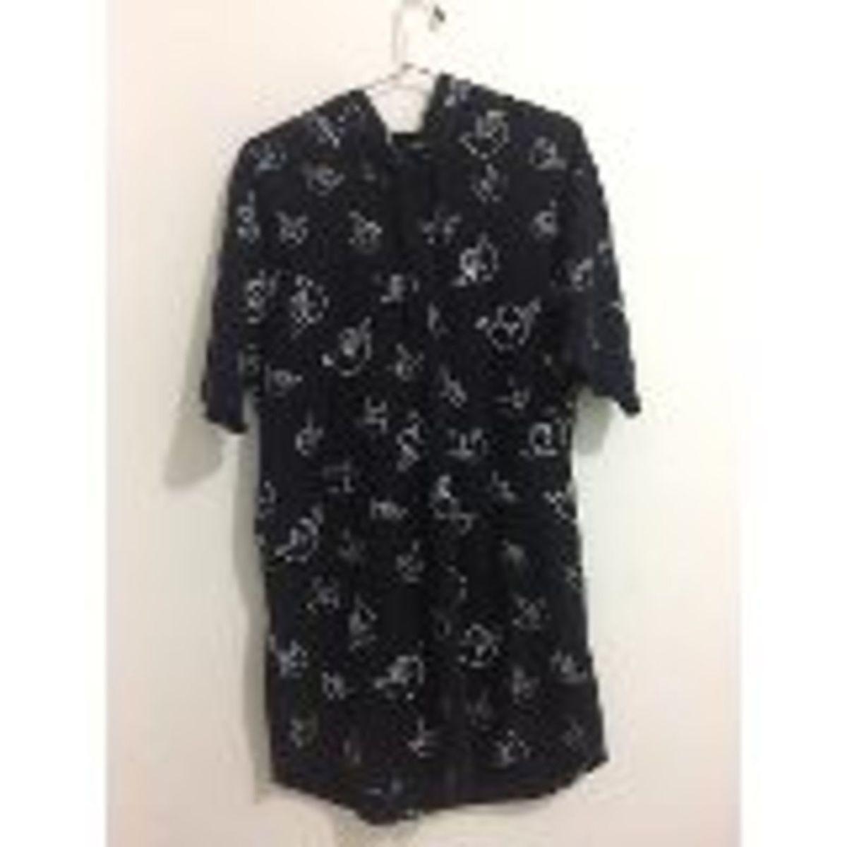 1e06a76c171fa camiseta estampada alongada com capuz - camisetas renner