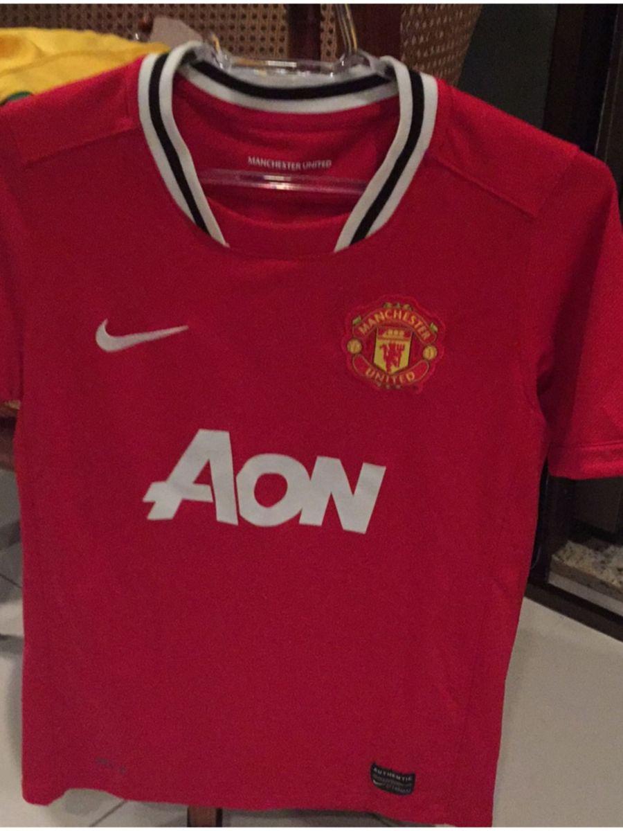 8c4d5c0d15ae5 camiseta futebol manchester united - menino nike.  Czm6ly9wag90b3muzw5qb2vplmnvbs5ici9wcm9kdwn0cy81mtu3nte5lzc2ntrlzwnkowfjywywnzvmotjmn2yyzju2mdc1mzdklmpwzw  ...