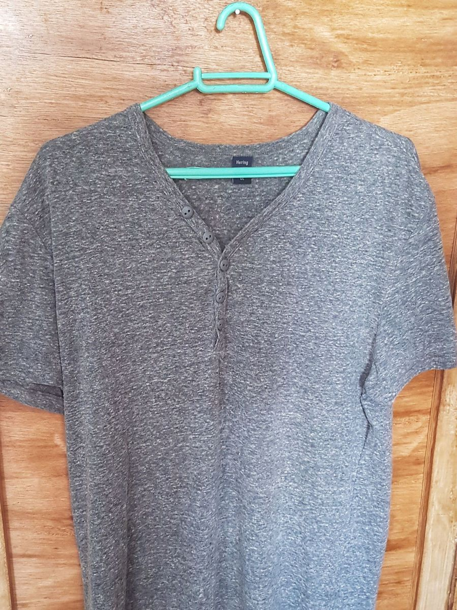 7f0e2160be camiseta hering de gola v abotoada - camisetas hering