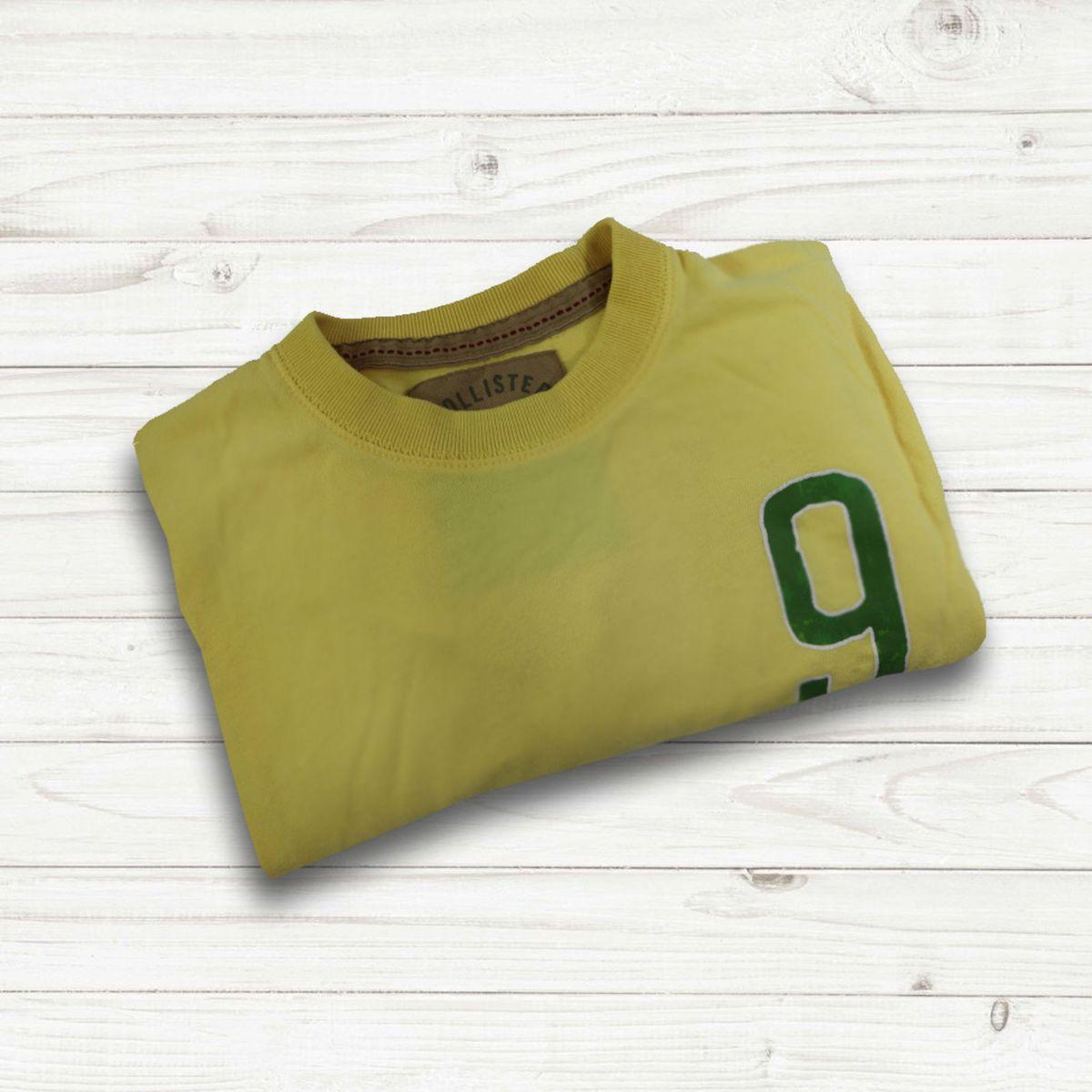 ed6e0a5090 Camiseta Hollister California Amarela