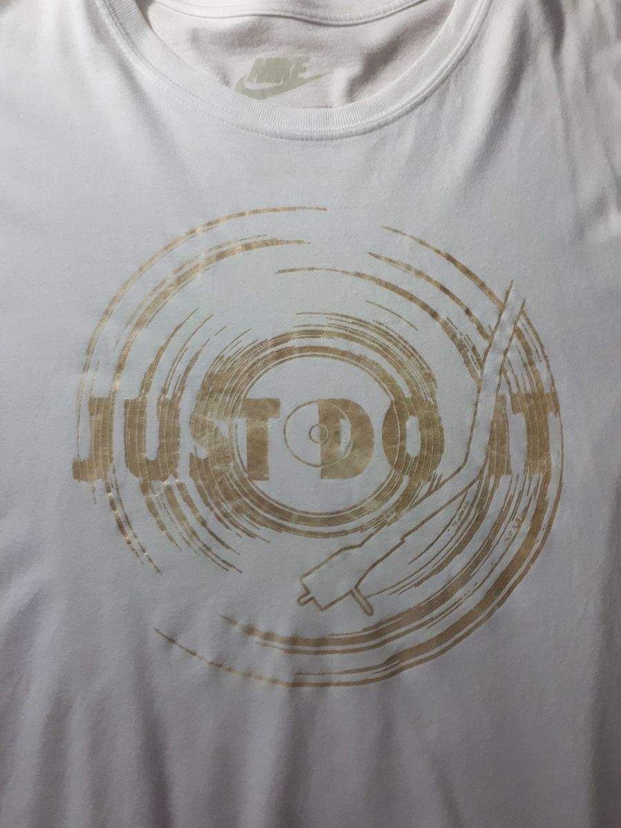 camiseta just do it disco - camisetas nike.  Czm6ly9wag90b3muzw5qb2vplmnvbs5ici9wcm9kdwn0cy83mtkzmzyxlzllnjbjzwqynjjmnmiwnzrhzthlmdbmogfinmq3ogjilmpwzw  ... 6f92185f2f764